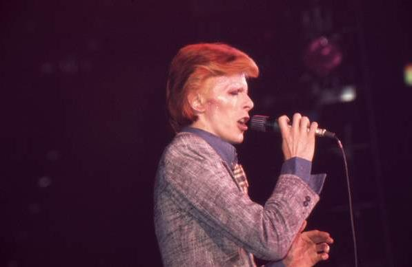 David_Bowie_Young_Americans_Tour_1974_A.jpg